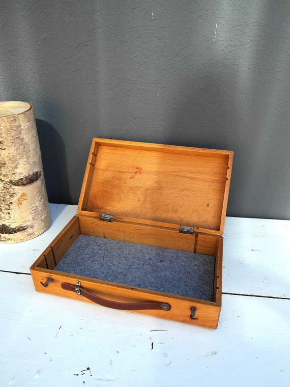 Upcycled wooden box with leather handle