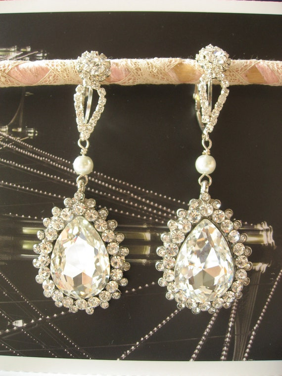 Vintage style bridal chandelier art deco earrings jewelry rhinestone crystals and pearls