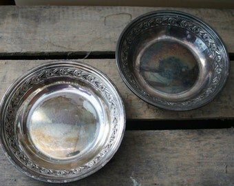 Set of 2 Reed and Barton Silverplate Bowls 1204