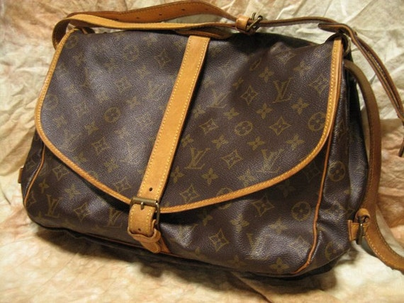 Louis Vuitton /  Vintage Saumur Shoulder bag  MI8907( purse / pouch )  Brown Monogram / 100% authentic