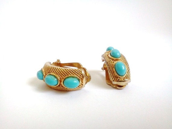 Vintage Earrings Clip On Gold and Turquoise