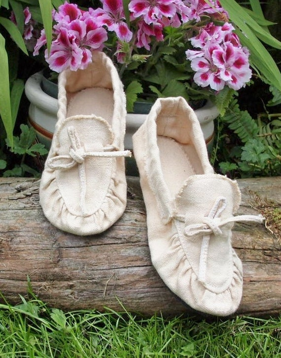 Hemp mocassin with rubber/cowhide soles