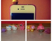 Minnie Mouse cupcake dust plug for iPhone 4/4s