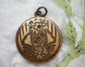 Antique Victorian Locket - Atrice