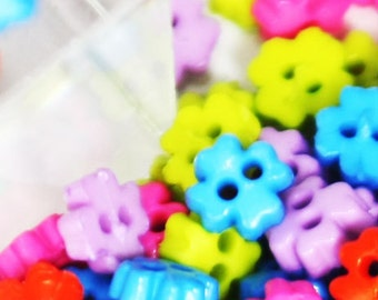 A-003  /  Tiny Flower buttons / size : 4 mm. / 100 pcs (Come with box) / mixed colors