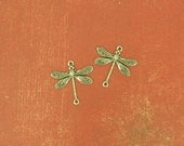 2 Small Victorian Style Dragonfly Connectors - Ox Silver - 17x17mm
