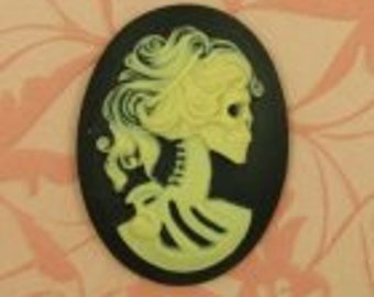 1 Resin Oval Cameo - Lolita Day of the Dead Goddess - White on Black.  40x30mm