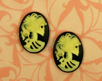 SALE   Resin Oval Cameos - Day of the Dead Goddess - 25x18mm