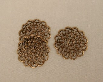 4 Small Round Flat Antique Brass Flower Filigree 20mm - FB0002