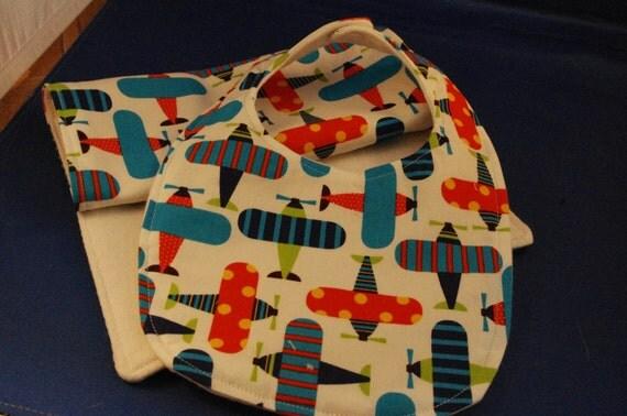 Organic Aeroplane Bib and Burp Cloth Gift Set