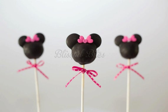 minnie mouse cake pops items similar to minnie mouse mickey mouse cake pops made 5943