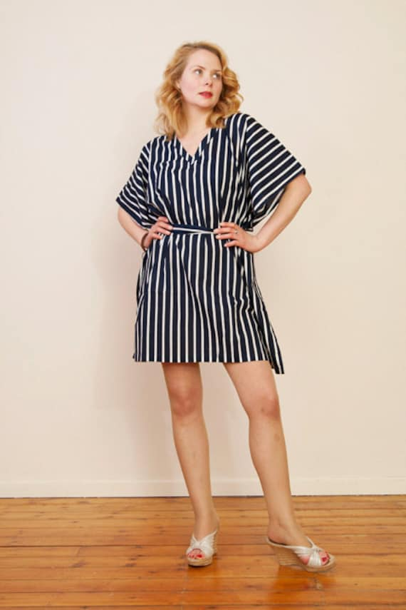SEASIDE Cotton kaftan dress in a striped print. Perfect for easy lounge wear, beach cover up or hospital gown. Gift for her.