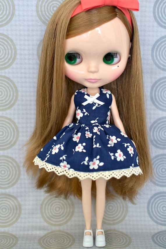 SALE 20% off - Daisy Garden Dress for Blythe (price shown is after discount)