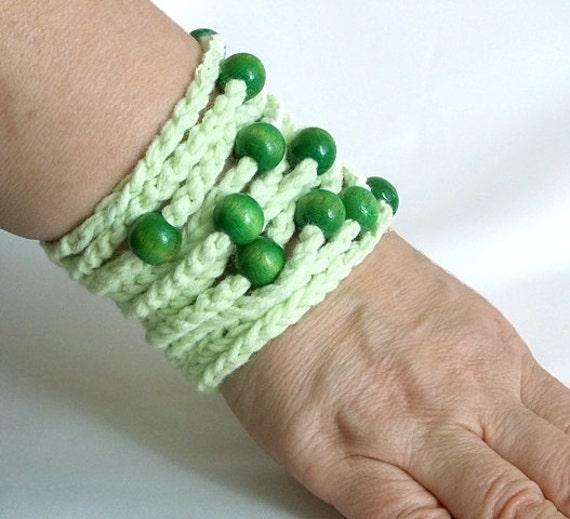 Crochet bracelet, Light green, Green beads, Wooden beads, Handmade crochet bracelet, Stylish bracelet,  Very stylish wristband, wrist strap