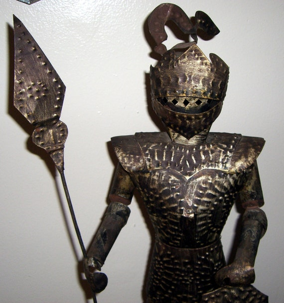 Knight metal knight statue mid evil decor knight and for Armor decoration