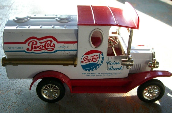 Vintage Pepsi Bank Pepsi Truck Collectible Coin Bank Red