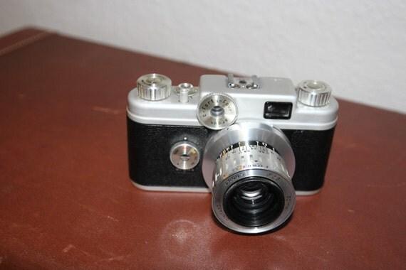 Vintage 35mm Argus C-Forty-Four with Cintagon fg-2.8/50mm lens
