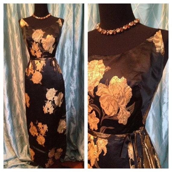 40s 50s 60s Miss Fraser Boston, long black slipper silk with gold accents VLV