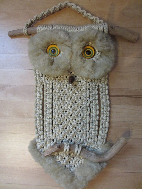 Macrame owl wall hanging / Vintage / Childrens room / Baby room