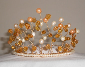 Beautiful Honeysuckle Pearl Tiara with Pale Gold Pearls, Cream Pearls and Glass Beads