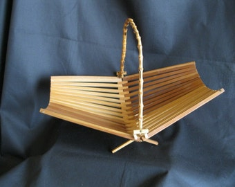 Fruit    Basket     Wood