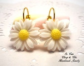 Beautiful  Earrings - Daisy Earrings - Daisy Flower - Everyday Earrings - Special Earrings