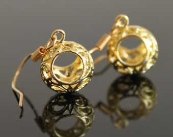 Small filigree hollow circle dangle gold earrings, simple everyday jewelry