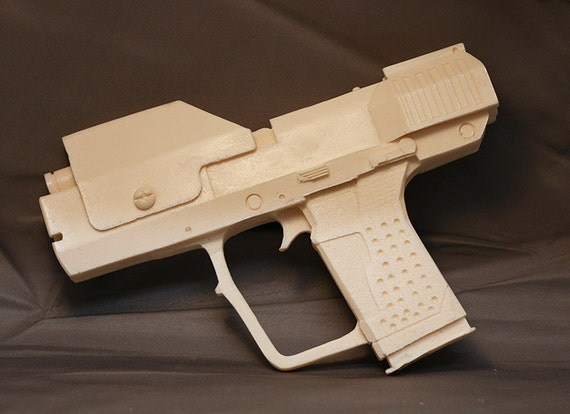 Halo 3 Master Chief sidearm M6G fullsize 1:1 resin prop unpainted kit.
