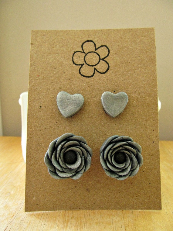 SALE--anemone stud set in silver--now 5.00