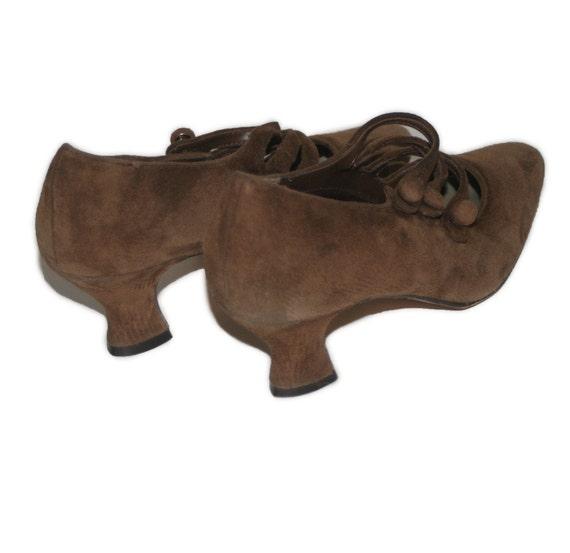 Vintage Flapper Style Ellemenno Brown Suede Shoe Boots Size 8