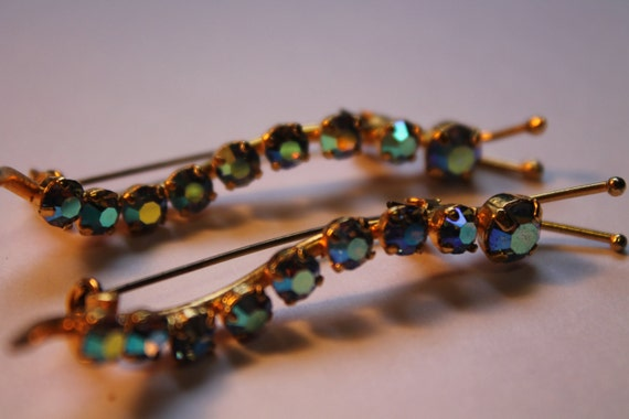 Vintage Blue AB Caterpillar Scatter Pins Set In Gold