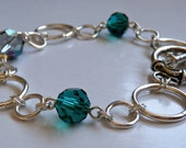 Chain and toggle bracelet