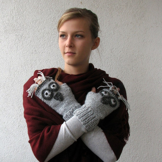 Lovely Knit Owl Gloves. Knit Fingerless Gloves. Knit Mittens. Gray Knitted Wrist Warmers. Hand Knit Gloves. Fingerless Mittens. Owl Mittens.