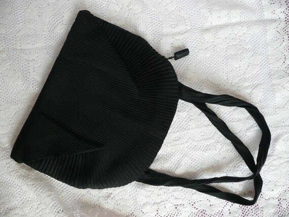 Vintage evening purse - 1930s pleated evening bag - black satin evening purse - pleated satin evening purse
