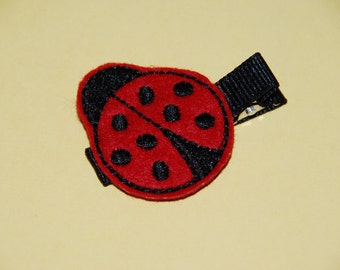 Felt Embroidered Ladybug on a 1 3/4 in black alligator clip