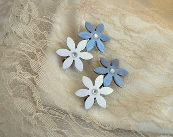 Blue white hair grips, Blue and white clips, Flower hair clips, Flower clips, French barrette, Women hair accessory, Clips women, Hair grips
