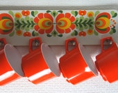 Vintage 1960s Orange Melamine Cups and Matching Rack Kitsch Retro Camping Picnic