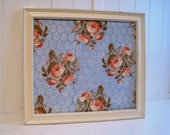 Jewelry Hanger / Memo Board / Floral Print / Blue White Pink / Wire Screen