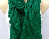 The fashion leisure cotton scarf, shawl, natural fold green scarf, soft and comfortable multifunctional female accessory