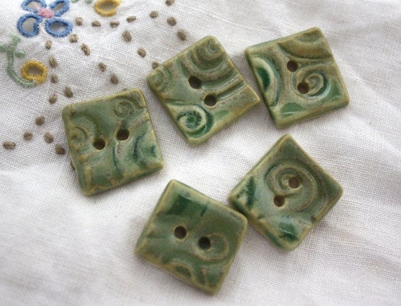 Buttons: green square spiral textured ceramic - five medium 3/4""
