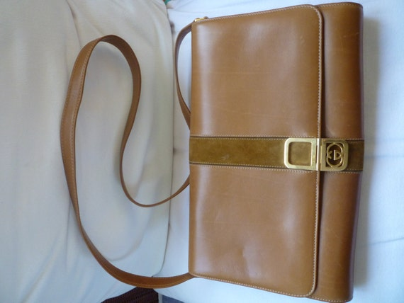 Stunning Vintage GUCCI SHOULDER/CLUTCH in soft Caramel Leather.Great Condition.