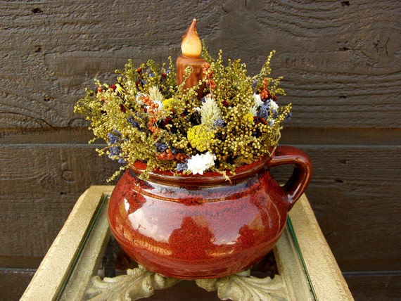 Primitive Red Soup Crock with Sweet Annie, Dried Flowers and Grungy Candle  011