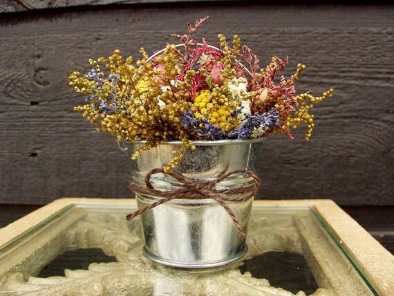 Wedding centerpiece table arrangement primitive
