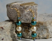 Creme and Teal Pearl Dangle Earring