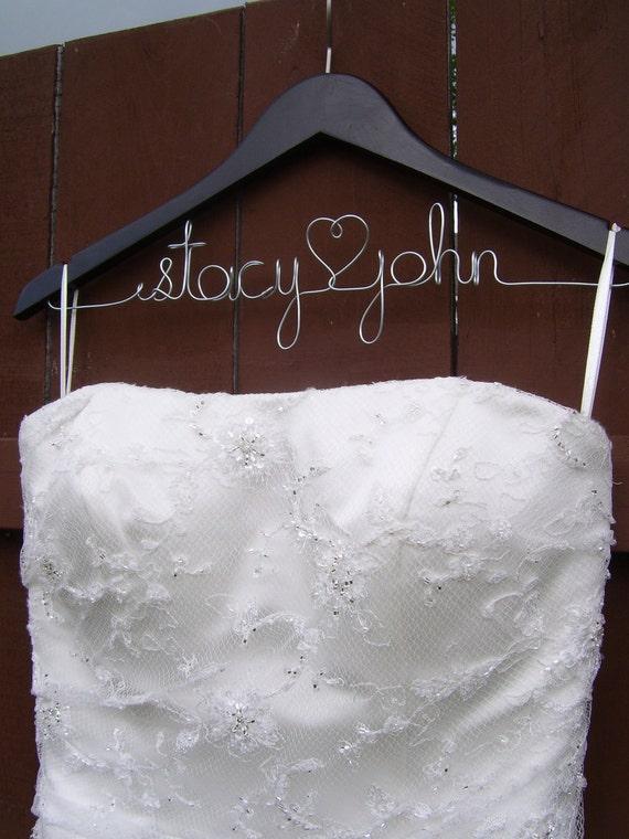 Personalized Wedding Hanger, Bridal Hanger, Wedding Gift Idea, Gift Wrap Included