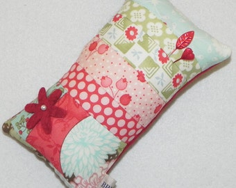 Quilted Tuffet Pincushion with Wool Felt Flower Embellishment