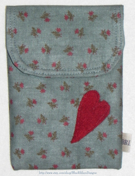 Sewing Case - Needlework Pouch with Wool Fabric Heart Embellishment
