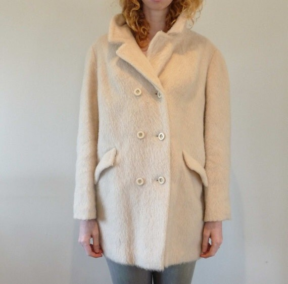 Creamy Wool Over Coat of Delight Large