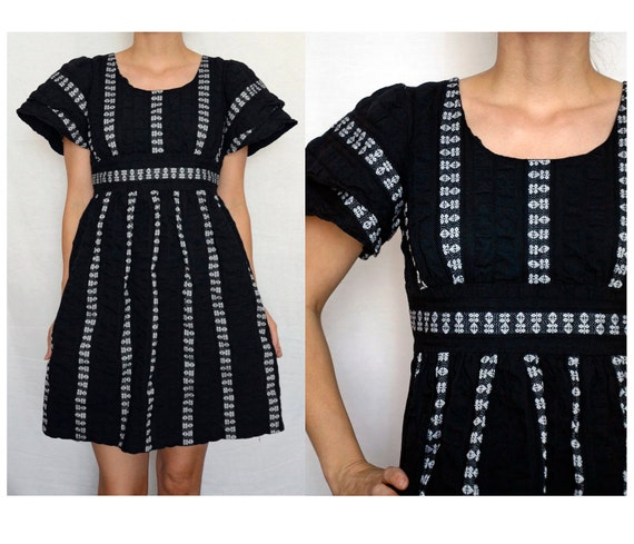 RESERVED FOR TIPPIETIE- Vintage 1970 Mexican/Tribal style black and white dress - size xs/small - embroidered