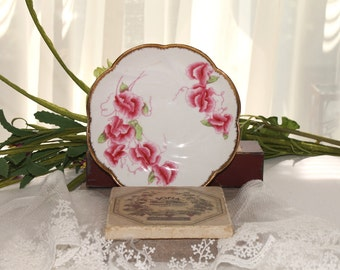 """Sweet Pea"""" dish by Salisbury England,china,white with red flowers"""